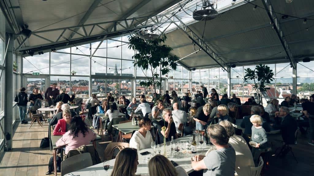 Een duurzaam horecapaviljoen midden in de stad Haarlem